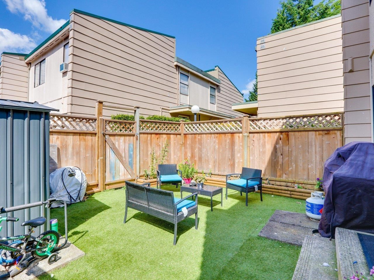 """Photo 19: Photos: 21 10585 153 Street in Surrey: Guildford Townhouse for sale in """"Guildford Mews"""" (North Surrey)  : MLS®# R2593242"""