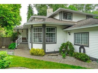 """Photo 3: 21387 87B Avenue in Langley: Walnut Grove House for sale in """"Forest Hills"""" : MLS®# R2585075"""