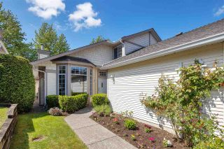 """Photo 2: 122 9012 WALNUT GROVE Drive in Langley: Walnut Grove Townhouse for sale in """"QUEEN ANNE GREEN"""" : MLS®# R2584394"""