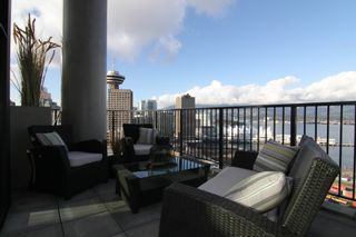 """Photo 10: 2910 128 W CORDOVA Street in Vancouver: Downtown VW Condo for sale in """"WOODWARDS"""" (Vancouver West)  : MLS®# V987819"""