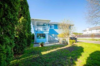 """Photo 6: 329 WOOD Street in New Westminster: Queensborough House for sale in """"Queensborough"""" : MLS®# R2571025"""
