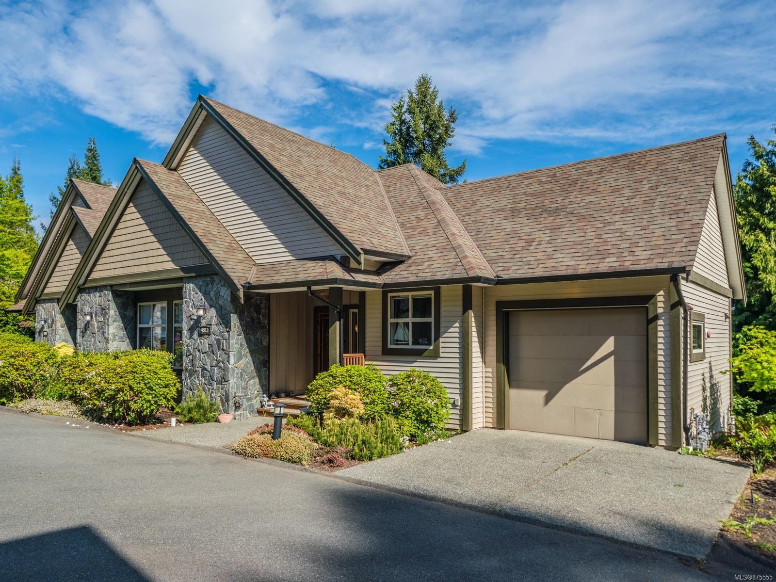 Main Photo: 4813 Bridgewood Close in : Na North Nanaimo Row/Townhouse for sale (Nanaimo)  : MLS®# 875555