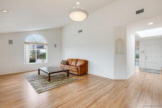 Photo 6: LA JOLLA House for sale : 3 bedrooms : 2322 Bahia Dr