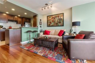 """Photo 8: 2307 583 BEACH Crescent in Vancouver: Yaletown Condo for sale in """"2 PARK WEST"""" (Vancouver West)  : MLS®# R2574813"""