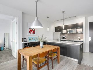 """Photo 5: 403 3333 MAIN Street in Vancouver: Main Condo for sale in """"3333 MAIN"""" (Vancouver East)  : MLS®# R2191207"""