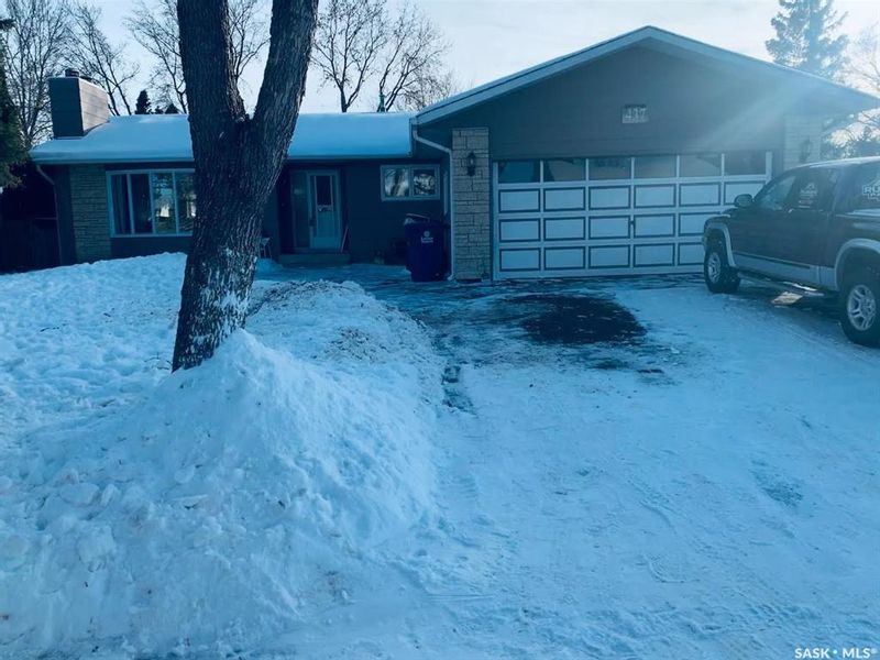 FEATURED LISTING: 437 Cockburn Crescent Saskatoon