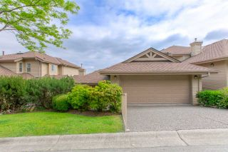 """Photo 2: 50 2979 PANORAMA Drive in Coquitlam: Westwood Plateau Townhouse for sale in """"DEERCREST"""" : MLS®# R2377827"""