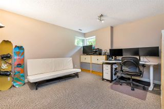 """Photo 31: 9279 GOLDHURST Terrace in Burnaby: Forest Hills BN Townhouse for sale in """"Copper Hill"""" (Burnaby North)  : MLS®# R2466536"""