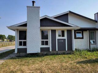 Main Photo: 1734 Jefferson Avenue in Winnipeg: Mandalay West Residential for sale (4H)  : MLS®# 202111322