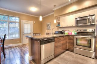 """Photo 3: 27 6299 144 Street in Surrey: Sullivan Station Townhouse for sale in """"Altura"""" : MLS®# R2023805"""