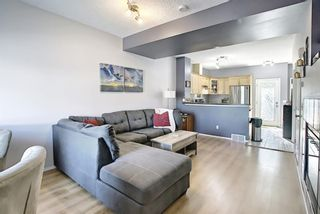 Photo 3: 207 STRATHAVEN Mews: Strathmore Row/Townhouse for sale : MLS®# A1121610