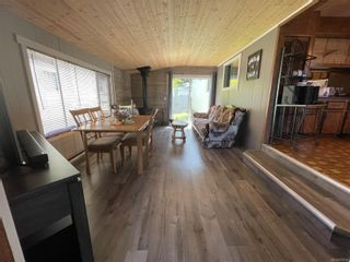 Photo 3: 2033 Chelan Cres in : NI Port McNeill Manufactured Home for sale (North Island)  : MLS®# 879552