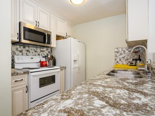 Photo 5: CITY HEIGHTS Condo for sale : 2 bedrooms : 3870 37th St #1 in San Diego