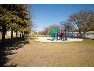Photo 18: 77 Bright Oaks Bay in WINNIPEG: St Vital Residential for sale (South East Winnipeg)  : MLS®# 1208098
