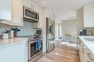 Photo 4: 24 Coachway Green SW in Calgary: Coach Hill Row/Townhouse for sale : MLS®# A1104483