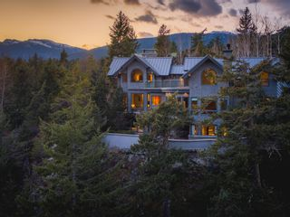 Photo 1: 9329 AUTUMN Place in Whistler: Emerald Estates House for sale : MLS®# R2599086