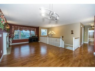 """Photo 4: 27945 JUNCTION Avenue in Abbotsford: Aberdeen House for sale in """"~Station~"""" : MLS®# R2216162"""