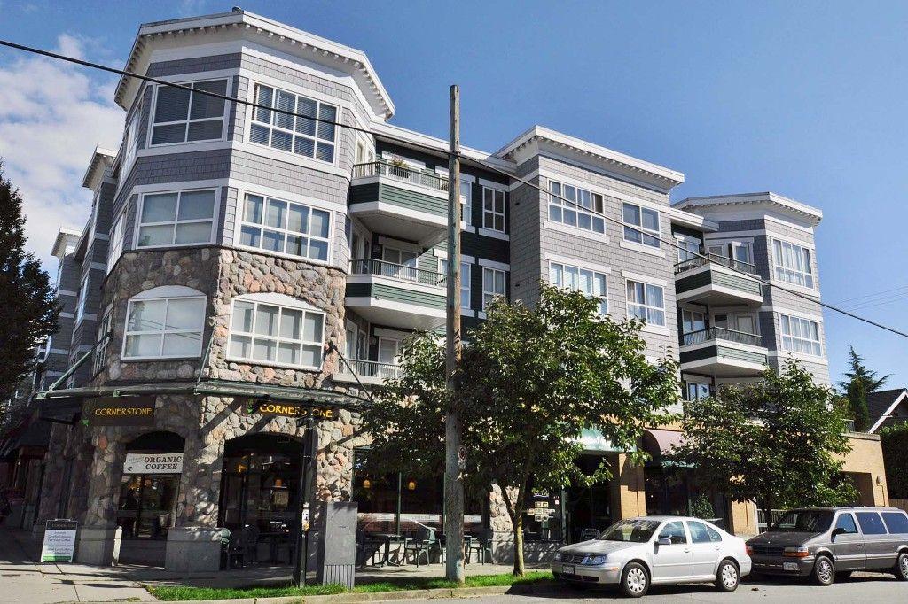 "Main Photo: 313 2680 W 4TH Avenue in Vancouver: Kitsilano Condo for sale in ""STAR OF KITSILANO"" (Vancouver West)  : MLS®# V1142123"