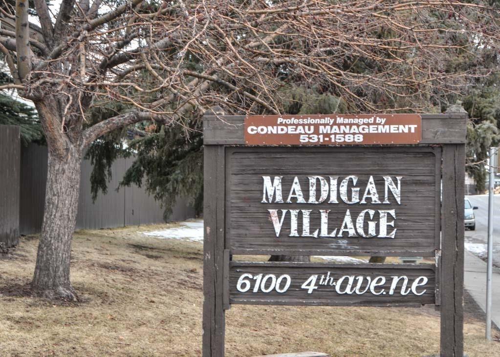 Main Photo: 7 6100 4 Avenue NE in Calgary: Marlborough Park Row/Townhouse for sale : MLS®# C4289658