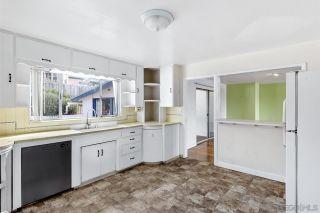 Photo 16: SOLANA BEACH House for sale : 3 bedrooms : 654 Glenmont