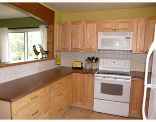 """Photo 4: 91 CLARK Road in Gibsons: Gibsons & Area House for sale in """"SUNNYSIDE"""" (Sunshine Coast)  : MLS®# V761169"""