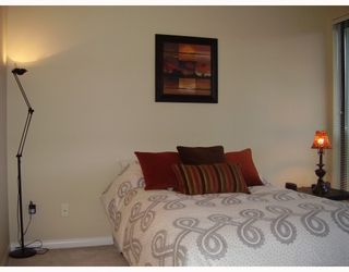 "Photo 5: 805 6837 STATION HILL Drive in Burnaby: South Slope Condo for sale in ""THE CLARIDGES"" (Burnaby South)  : MLS®# V744904"