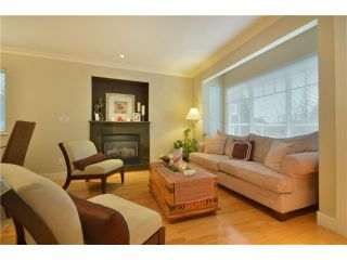 Photo 2: 416 W KEITH Road in North Vancouver: Central Lonsdale 1/2 Duplex for sale : MLS®# V921744