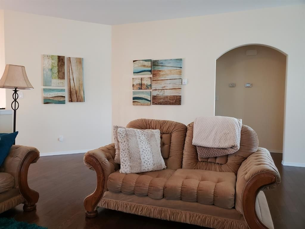 Photo 4: Photos: 6305 58 Avenue: Innisfail Detached for sale : MLS®# A1082269