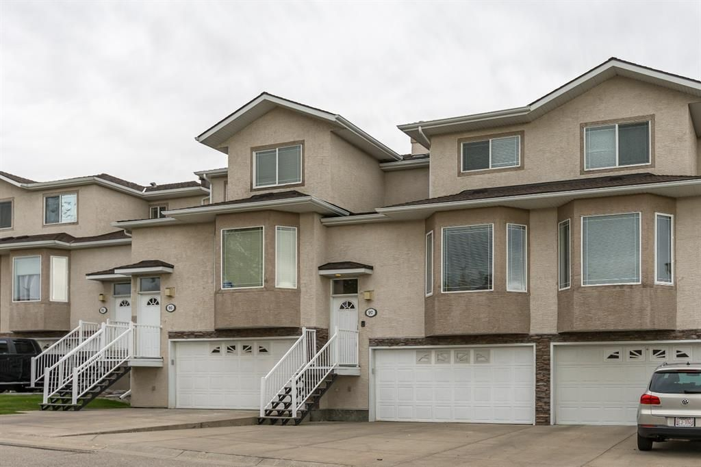 Main Photo: 97 Country Hills Gardens NW in Calgary: Country Hills Row/Townhouse for sale : MLS®# A1149048