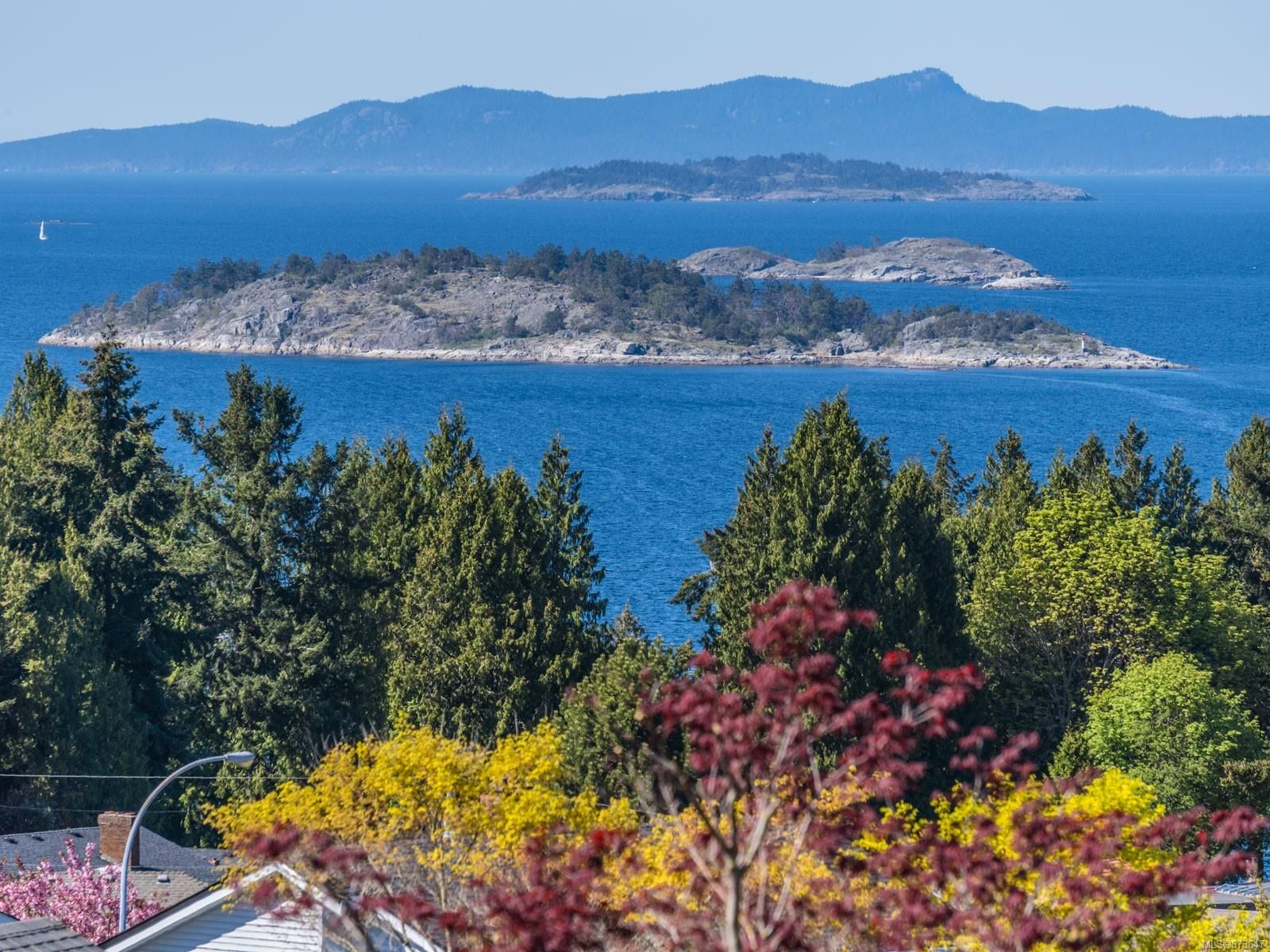 Main Photo: 6618 Groveland Dr in : Na North Nanaimo House for sale (Nanaimo)  : MLS®# 873647