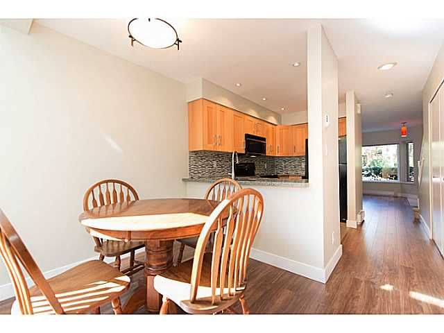 """Main Photo: 30 795 W 8TH Avenue in Vancouver: Fairview VW Townhouse for sale in """"DOVER POINTE"""" (Vancouver West)  : MLS®# V1002924"""