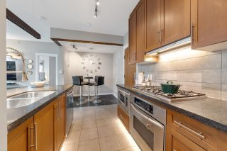 """Photo 15: 302 1189 MELVILLE Street in Vancouver: Coal Harbour Condo for sale in """"THE MELVILLE"""" (Vancouver West)  : MLS®# R2611872"""