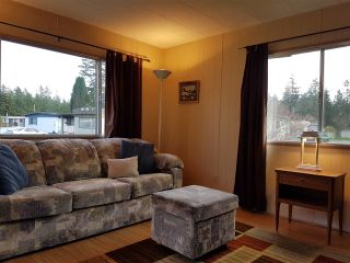 """Photo 7: 3 3031 200 Street in Langley: Brookswood Langley Manufactured Home for sale in """"Cedar Creek Estates"""" : MLS®# R2123592"""