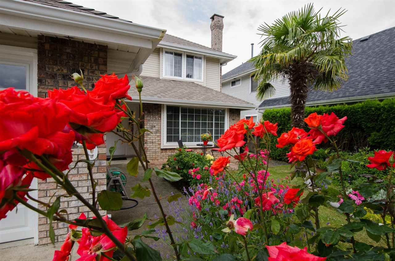 """Photo 2: Photos: 6159 45 Avenue in Delta: Holly House for sale in """"Sunrise"""" (Ladner)  : MLS®# R2284913"""