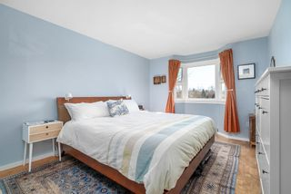 """Photo 8: 310 1429 E 4TH Avenue in Vancouver: Grandview Woodland Condo for sale in """"Sandcastle Villa"""" (Vancouver East)  : MLS®# R2463054"""