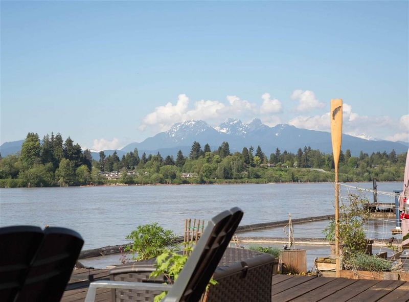 FEATURED LISTING: 1W - 20837 LOUIE Crescent Langley