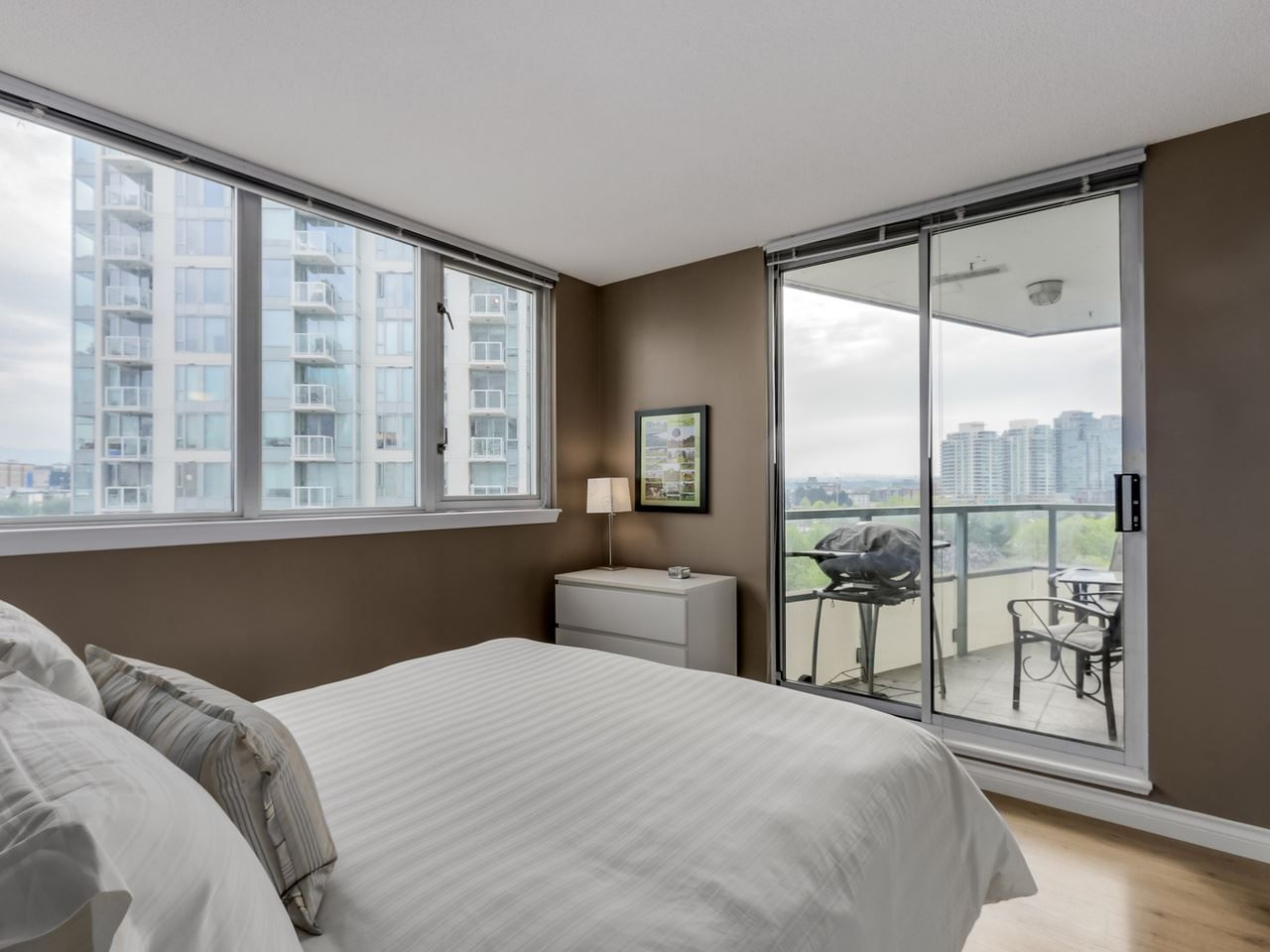 """Photo 9: Photos: 808 63 KEEFER Place in Vancouver: Downtown VW Condo for sale in """"Europa"""" (Vancouver West)  : MLS®# R2061272"""