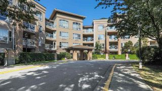 Photo 1: 112 2559 PARKVIEW LANE in Port Coquitlam: Central Pt Coquitlam Condo for sale : MLS®# R2396239