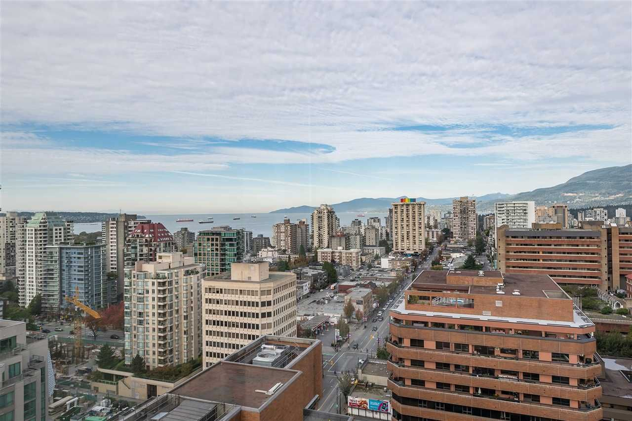 """Photo 2: Photos: PH4 1189 HOWE Street in Vancouver: Downtown VW Condo for sale in """"The Genesis"""" (Vancouver West)  : MLS®# R2513563"""