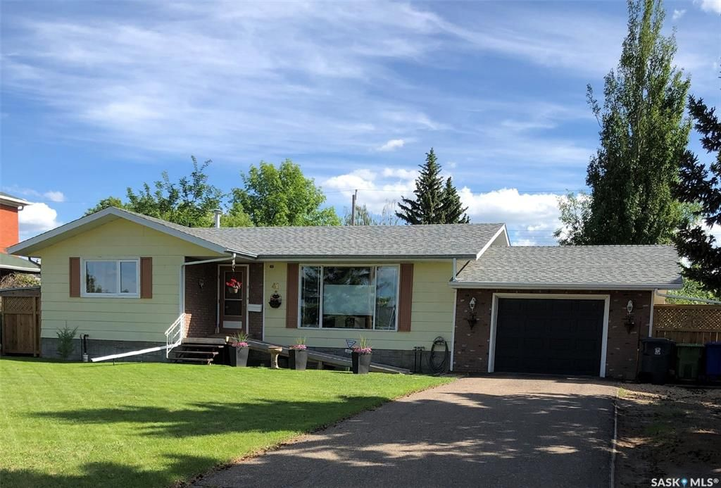 Main Photo: 41 23rd Street West in Battleford: Residential for sale : MLS®# SK814193