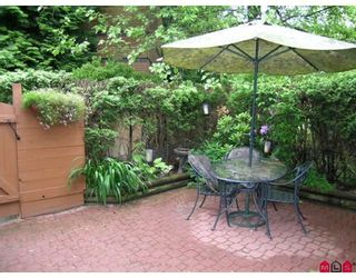 """Photo 8: 410 10620 150TH Street in Surrey: Guildford Townhouse for sale in """"LINCOLNS GATE"""" (North Surrey)  : MLS®# F2826558"""