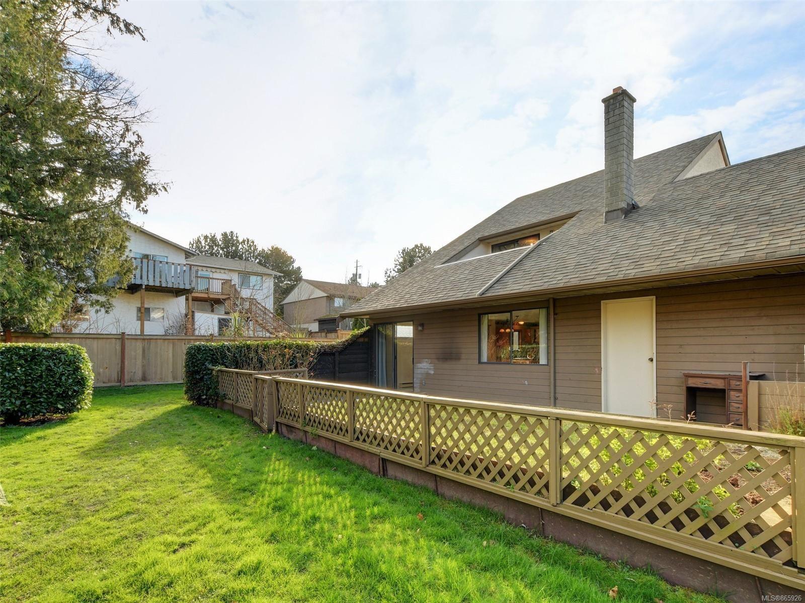 Photo 22: Photos: 8 4350 West Saanich Rd in : SW Royal Oak Row/Townhouse for sale (Saanich West)  : MLS®# 865926