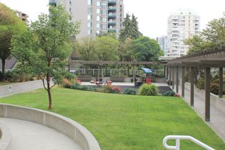 """Photo 25: 1806 39 SIXTH Street in New Westminster: Downtown NW Condo for sale in """"QUANTUM"""" : MLS®# R2408457"""