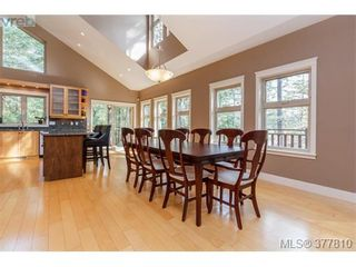 Photo 5: 42 Carly Lane in VICTORIA: VR Six Mile House for sale (View Royal)  : MLS®# 758601