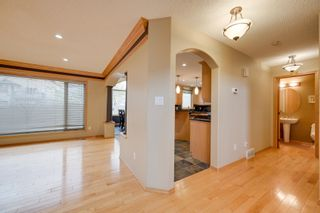 Photo 8: 227 LINDSAY Crescent in Edmonton: Zone 14 House for sale : MLS®# E4265520