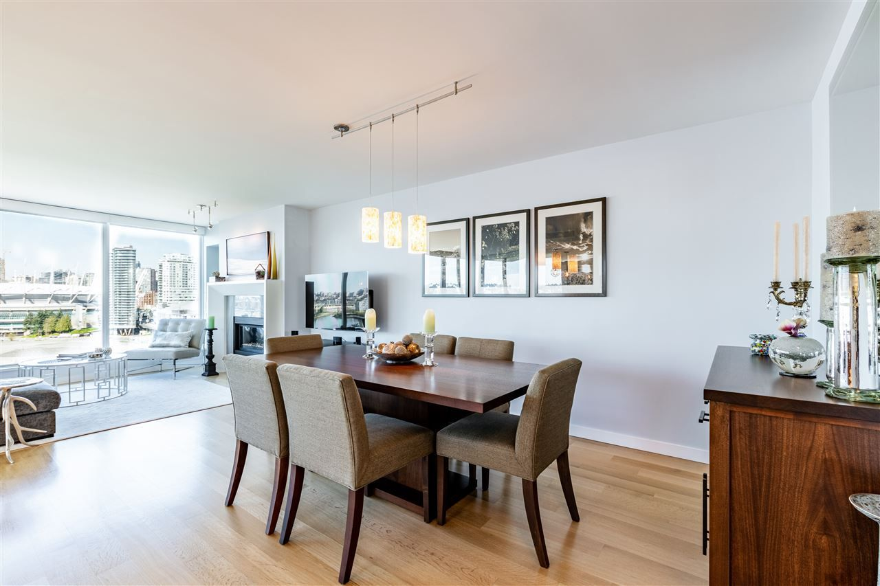 """Photo 13: Photos: 1605 120 MILROSS Avenue in Vancouver: Downtown VE Condo for sale in """"THE BRIGHTON BY BOSA"""" (Vancouver East)  : MLS®# R2568798"""
