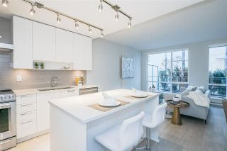 """Photo 3: TH1 1768 GILMORE Avenue in Burnaby: Willingdon Heights Townhouse for sale in """"Escala"""" (Burnaby North)  : MLS®# R2418211"""