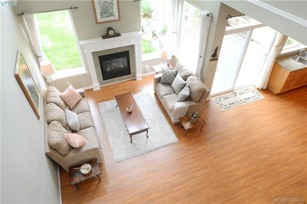 Main Photo: 14 912 Brulette Pl in MILL BAY: ML Mill Bay Row/Townhouse for sale (Malahat & Area)  : MLS®# 784385
