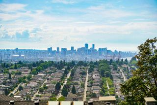 Photo 3: 191 N GLYNDE Avenue in Burnaby: Capitol Hill BN House for sale (Burnaby North)  : MLS®# R2383814