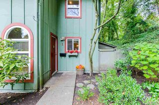 Photo 2: 1 900 17th W Street in North Vancouver: Mosquito Creek Townhouse for sale : MLS®# r2510264